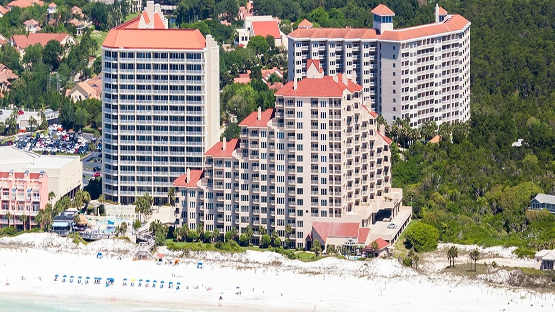 TOPS'L Beach & Racquet Resort by Wyndham - one of the best tennis resorts for your tennis holidays in Florida