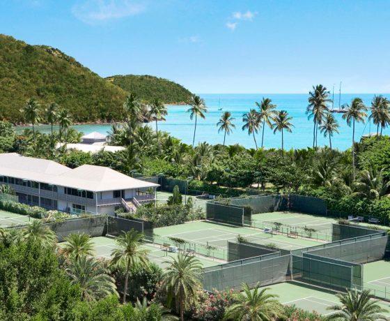 Beachfront tennis hotel in Antigua (Carlisle Bay Resort)
