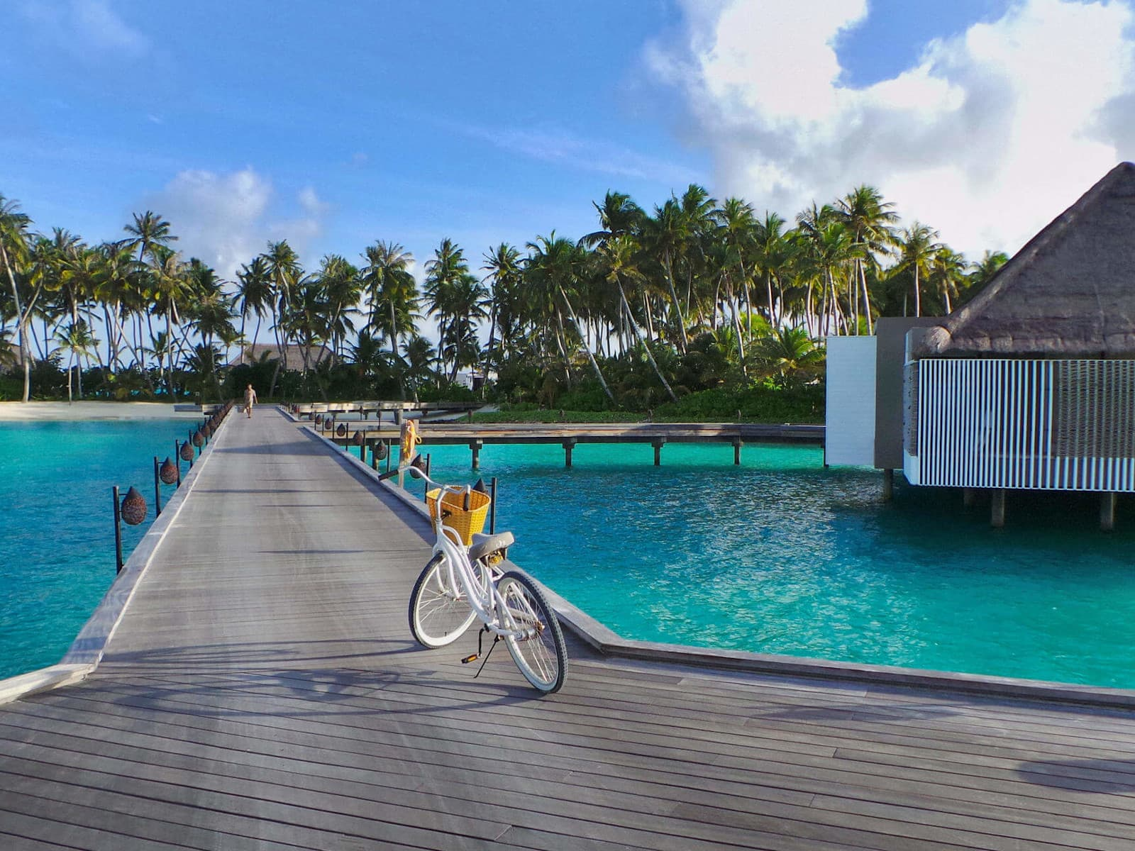 Cheval Blanc Randheli - one of the best tennis resorts for your tennis holidays in Maldives