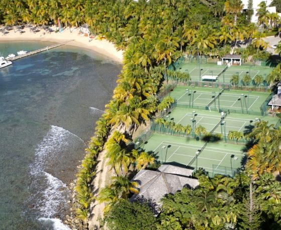 Beachfront tennis vacations in Antigua (Curtain Bluff)