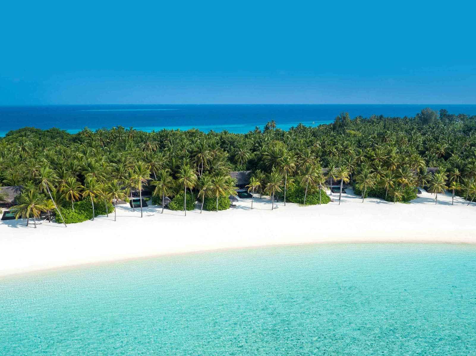 One & Only Reethi Rah — one of the best tennis resorts for your tennis holidays in Maldives