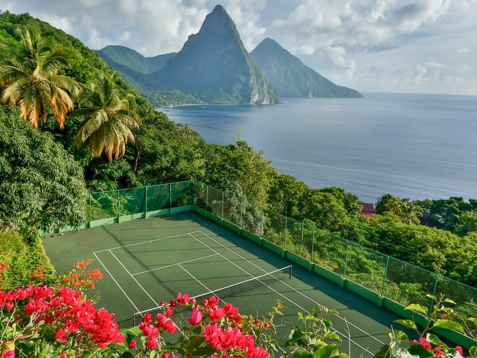 Oceanfront Tennis villa in St. Lucia (Tamarind House)