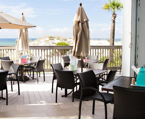 Restaurants & Bars - TOPS'L Beach & Racquet Resort by Wyndham - one of the best tennis resorts for your tennis holidays in Florida (USA)