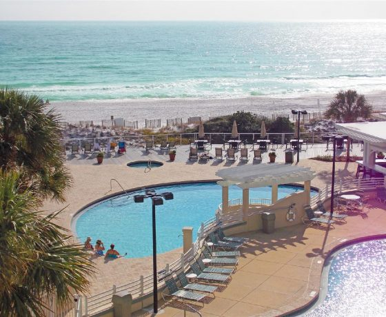 Offers & Deals - TOPS'L Beach & Racquet Resort by Wyndham - one of the best tennis resorts for your tennis holidays in Florida (USA)