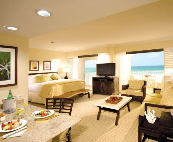 Rooms & Suites - The Resort at Longboat Key Club - one of the best tennis resorts for your tennis holidays in Florida (USA)