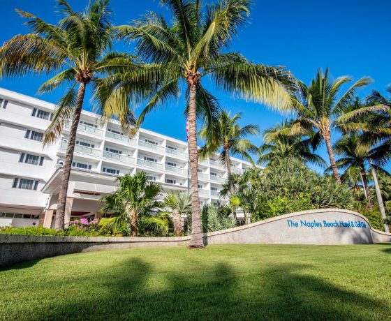 Offers & Deals - Naples Beach Hotel & Golf Club - one of the best tennis resorts for your tennis holidays in Florida (USA)
