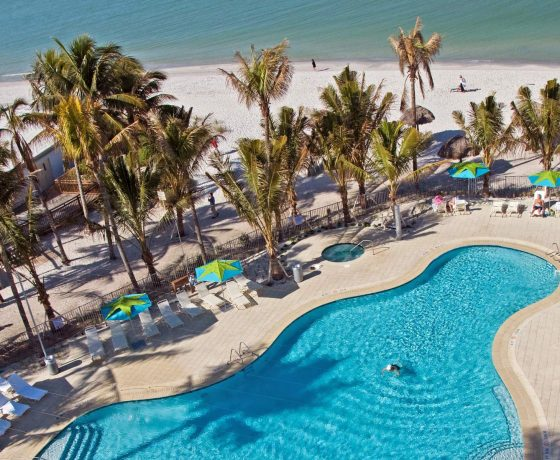 Reviews & Ratings - Naples Beach Hotel & Golf Club - one of the best tennis resorts for your tennis holidays in Florida (USA)