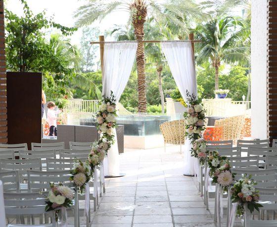 Wedding & Honeymoon - Naples Grande Beach Resort - one of the best tennis resorts for your tennis holidays in Florida (USA)