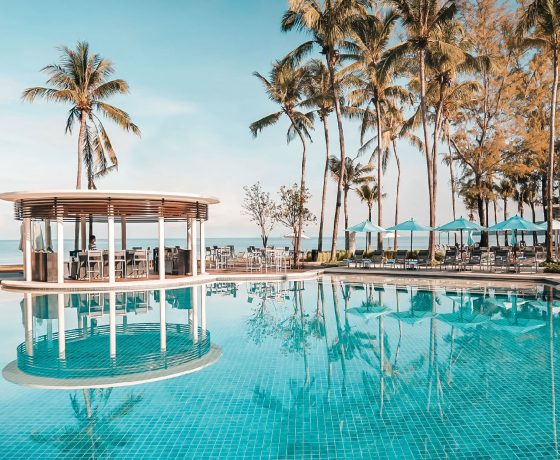 Restaurants & Bars - Outrigger Laguna Beach Resort - one of the best tennis resorts for your tennis holidays in Phuket (Thailand)