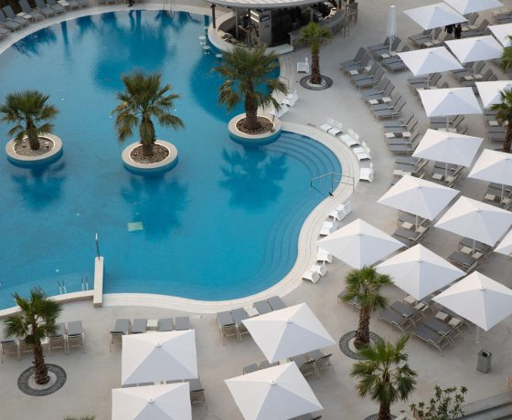 Reviews & Ratings - Jumeirah Beach Hotel - one of the best tennis resorts for your tennis holidays in Dubai ( UAE )