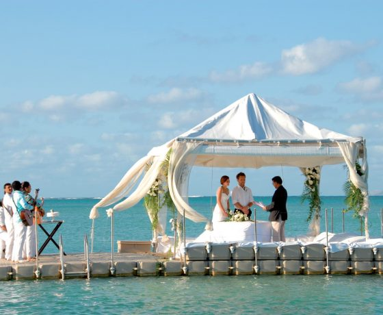 Wedding & Honeymoon - LUX* Grand Gaube - one of the best tennis resorts for your tennis holidays in Mauritius