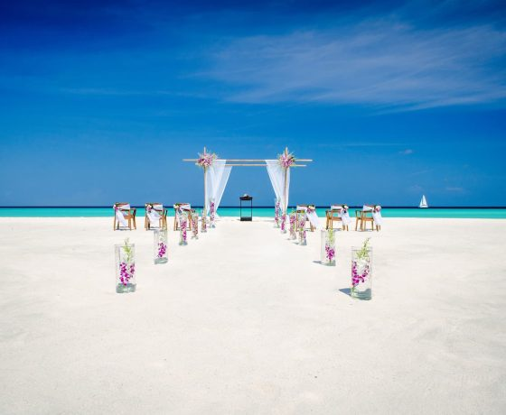 Wedding & Honeymoon - One & Only Reethi Rah - one of the best tennis resorts for your tennis holidays in Maldives.
